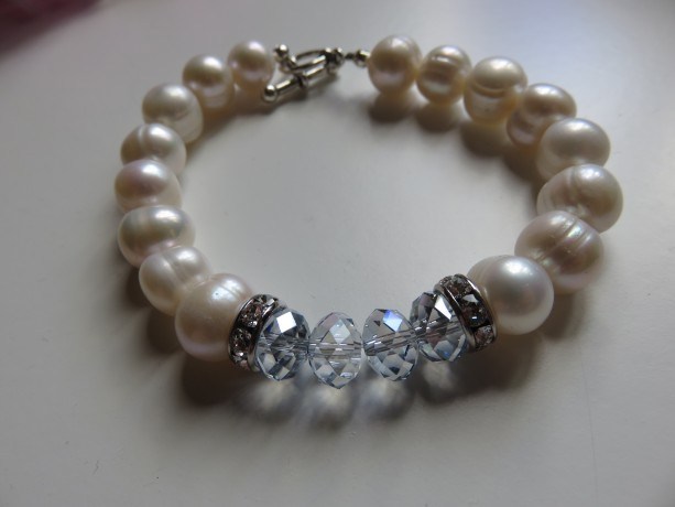 Big Pearls & Ice Blue Bracelet