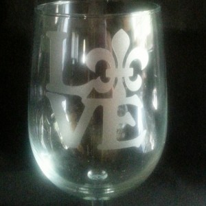 LOVE fluer de lis wine glass. Nola love. Louisiana love. New Orleans love hand made etched wine glass