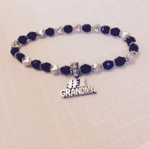 Grandma Charm Bracelet, Custom Black and Silver Beaded Bracelet, Grandmother Gift, Grandma Birthday, Baby Announcement, Pregnancy Reveal