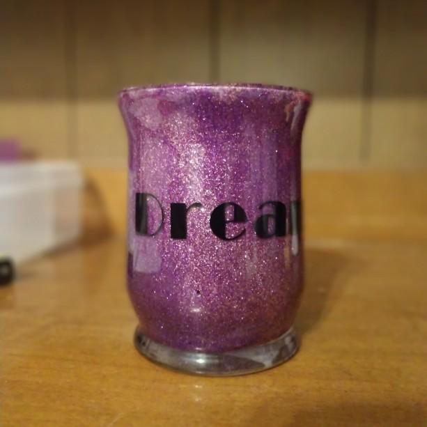 Dream makeup brush holder