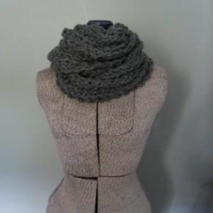 Gray Chunky Infinity Scarf, Men's Cowl Scarf, Unisex Knit Scarf, Stormy Weather Eternity Scarf