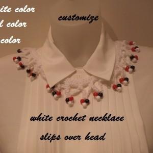 White crochet neckllace