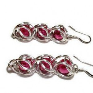 Dark pink dangle earrings chainmaille captured bead