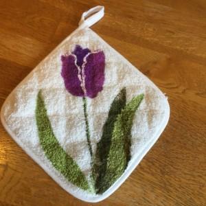 Purple tulip potholders, hostess gift, mothers  day gift, floral kitchen decor, bridal shower gift, kitchen potholders handmade,best selling