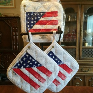 American flag potholders, hostess gift ideas, patriotic decor, US flag pot holders, 4th of July decorations, military mom gifts veteran gift