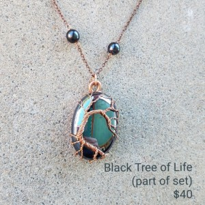 Borderless Tree of life in black