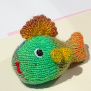 Hand Knit Fish, Tropical Fish, Knited  Toy, Fish in Colors, Small Toy, Nursery Decor, Stuffed Toy, Rainbow Toy, Rainbow Fish, Plush Toy