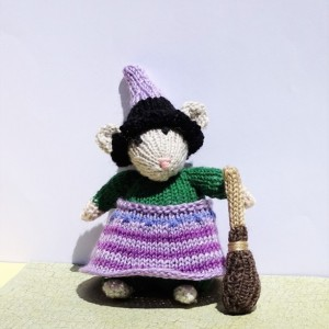 Halloween Decoration, Witch Mouse, Halloween Mouse, Trick or Treat, Stuffed Mouse, Hand Knitted Mouse, Witch Doll