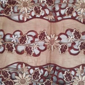 Vintage, Handmade, Drawn thread work, Elegant and beautiful tablecloth / Mantel elegante y hermoso.
