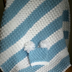 Baby blanket and pom pom.hat set