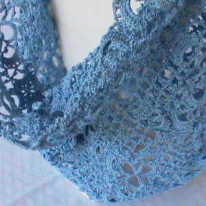 CloverFields Cowl in Ice Blue