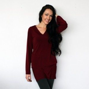 V Neck Long Sleeve Tunic Dress in Burgundy