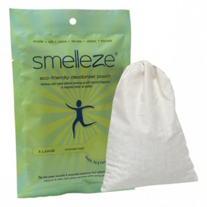 SMELLEZE Reusable Locker Room Smell Removal Deodorizer Pouch: Rids Stench Without Scents in 300 Sq. Ft.