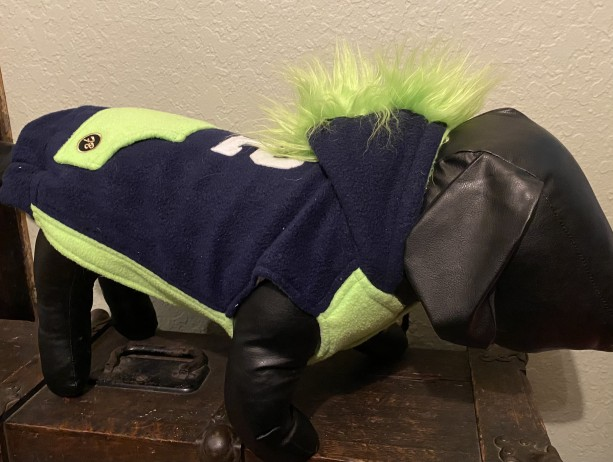 "M 12 Man Mohawk hoodie 19-20"" girth"