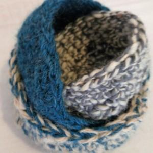 Nesting bowls / yarn nesting bowls / crochet nesting bowls / stacked bowls / bowls / wool bowls / nursery bowls/ stackable bowl set