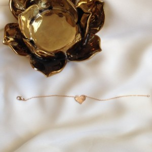 gold heart bracelet, 14k gold heart bracelet, small heart bracelet, friendship bracelet, hand stamped heart bracelet, per