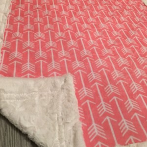 ShipsNow Arrow Minky Baby Blanket With Pillow Girl