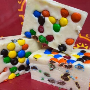 M&M Plain candy Fudge in White Chocolate  *nut free* 1 pound   **FREE SHIPPING**