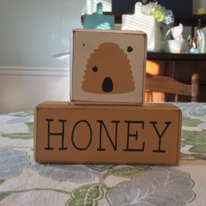 Honey bee - 2 piece - Honey - wood sign