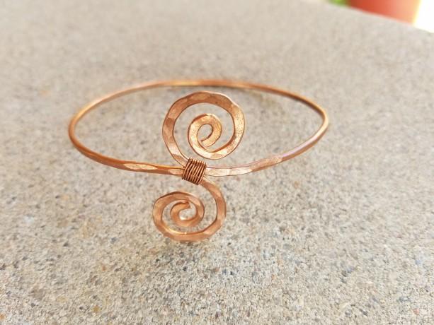 Swirl hammered bracelet