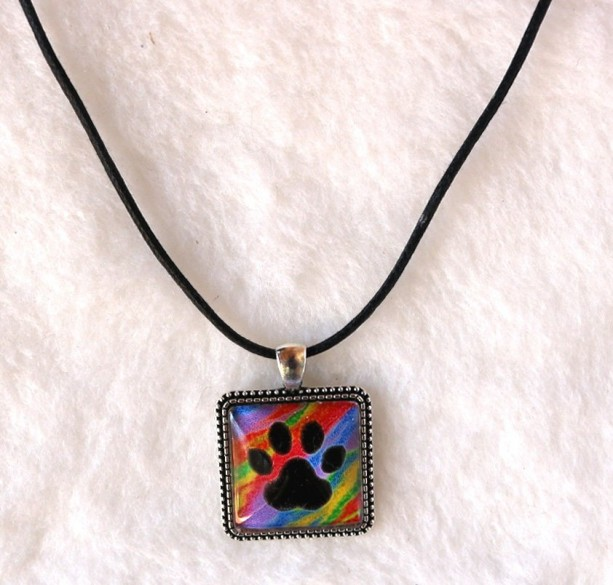 Paw Print Necklace, Pet Loss Gifts, Pet Memorial Jewelry, Sympathy Gift, Dog Mom Gift, Cameo Necklace, Folk Art, Paw Print Jewelry