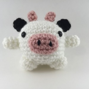 Mini amigurumi cow, amigurumi cow, crochet cow, tiny cow, cow,kawaii, small cow, cow plush, cow plushie, under 15, moo, farm