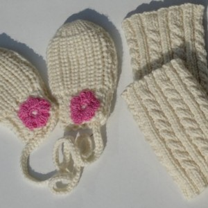 Hand Knitted Baby Girl 6 months to 24 months Set, Luxury Washable Merino Wool, Mittens, Leggings, Classic Bonnet, Ready to Ship
