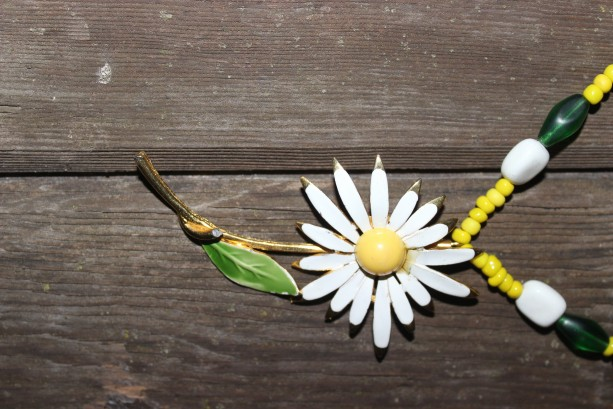 upcycled Daisy necklace