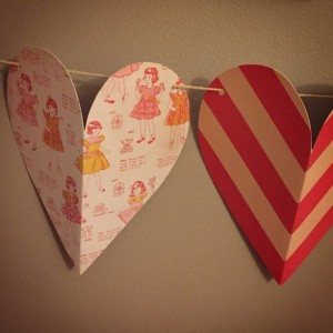 Paper Sweetheart Garland - Heart Garland - Baby Shower / Bridal Shower / Birthday Party Decoration
