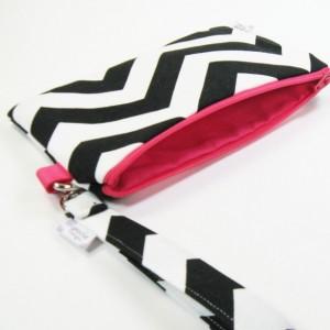 Medium Wristlet Zipper Pouch Clutch - Black Chevron