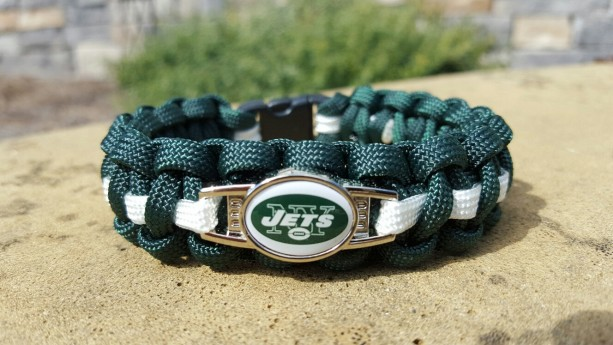NY Jets Paracord Bracelet NFL Officially Licensed Charm