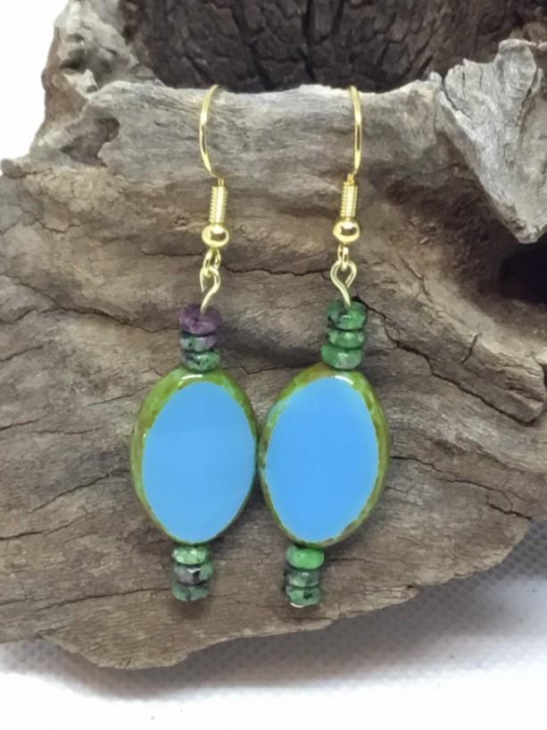 Blue Turquoise earrings, blue drop earrings, Earrings turquois, Turquoise dangle earrings, Gold wire earrings, beach wear earrings