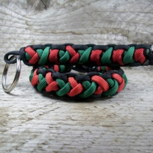 Customize Survival Paracord Bracelet and Keychain Combo using Cobra 2x Weave