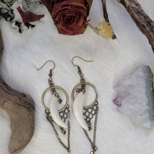 Wunderland Jewelry // one of a kind // coyote fang earrings // earrings /// jewelry //