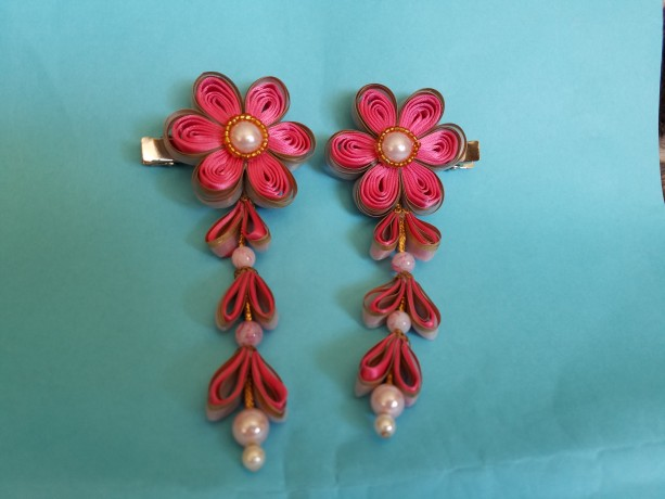 Quilled elegance flower hair clips