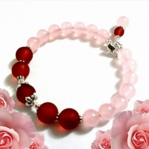 Rose Quartz Pink Burgundy Bracelet, Memory Wire Bracelet, Gemstone Bracelet, Gemstone Jewelry, Sale Beaded Jewelry,  Sea Glass Beads, Gift