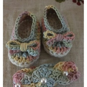 Crochet headband and booties set