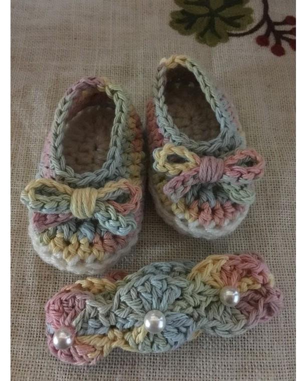 Crochet headband and booties set