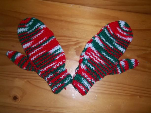Hand Knit Childrens Mittens- Mistletoe