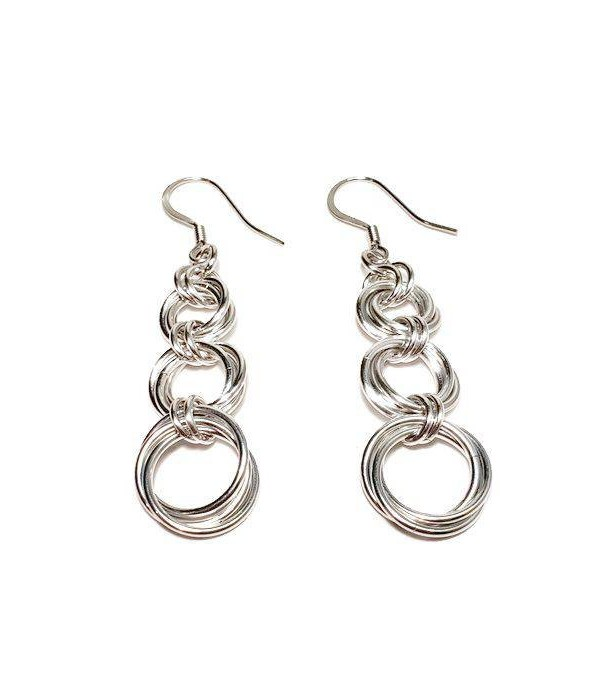 Silver drop earrings / Tri-mobious / chain maille