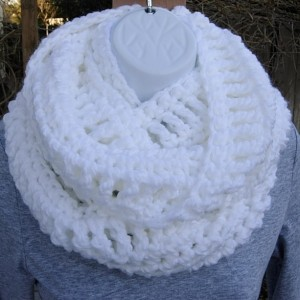 Solid White Infinity Loop Cowl Scarf, Pure White, Extra Soft & Warm Long Bulky 100% Acrylic Crochet Knit Winter Circle Wrap, Chunky Cowl..Ready to Ship in 3 Days