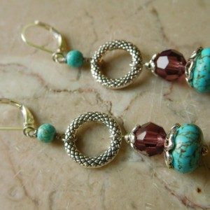 Turquoise dangling earrings, with silver tone lever back earrings hooks. #E00311