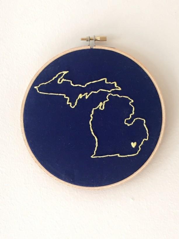 U of M Embroidery Hoop Wall Art Hanging