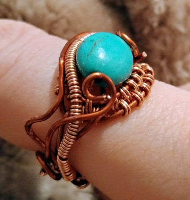 Intricate copper woven ring with turquoise accent US size 6