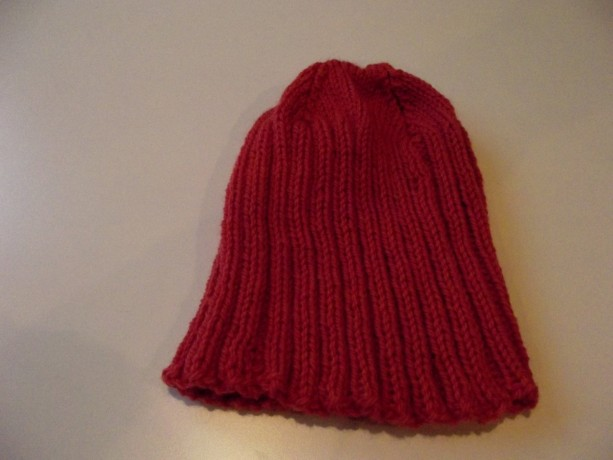 Women's Hand-Knitted Slouchy Wool Beanie in Currant Red