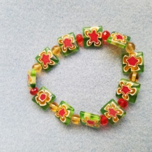 glass flower bead bracelet