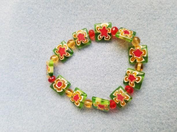 glass flower bead bracelet