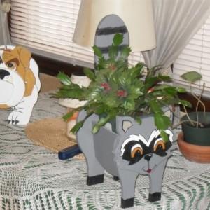 """Bandit"" Raccoon planter box"