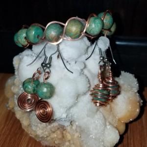 Jade bracelet/earrings collection