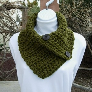 Dark Olive Green Chunky NECK WARMER SCARF, Solid Military Green Buttoned Cowl, Two Large Wood Buttons, Thick Crochet Knit..Ready to Ship in 3 Days